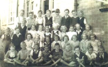 First Class, Dapto Public School 1945