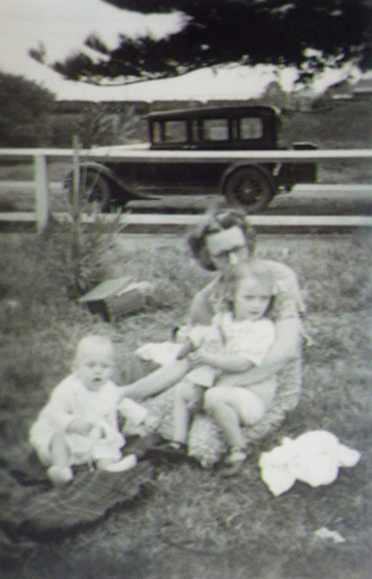 Picnic Possibly Kiama circa 1948