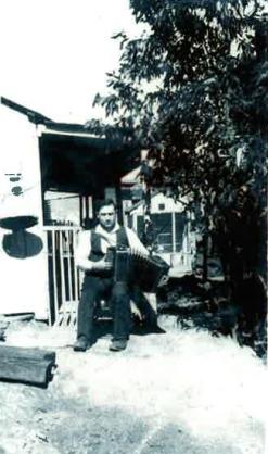 Joe with accordian