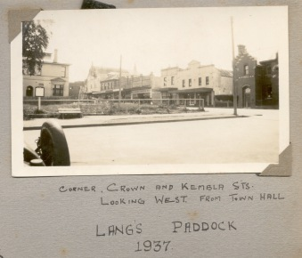 Lang's Paddock, cnr Crown and Kembla Sts