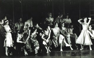 1982 I Like it to be in America – Scene from west side story - Wollongong Conservatorium Theatre Company, George Tirris, Michael Coe,. Merion Powell, Lynne Williams, Ross Coleman, Donna Mills, Paul Bridge, Jim McCallum, Suzi Johnson, Paul Fanning, Scott Radburn, Lawrence Bond, Gary Stonehouse, Krupke